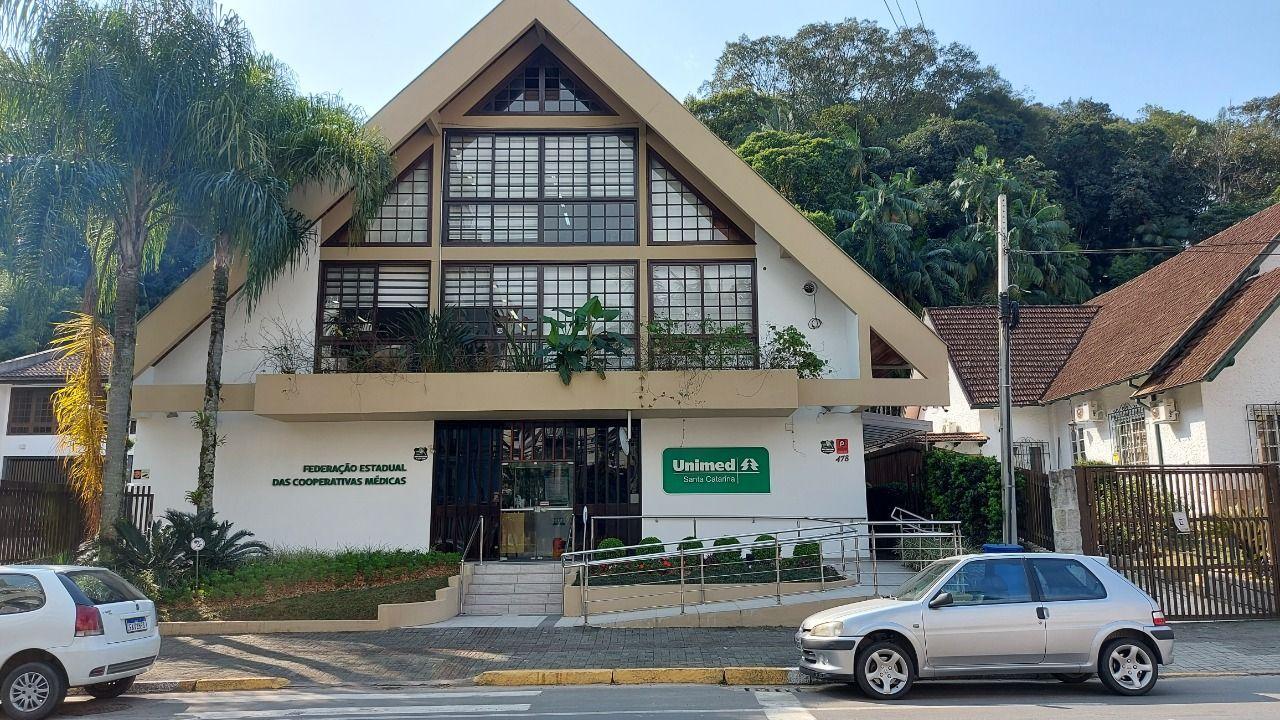 Prédio comercial/residencial à venda  no América - Joinville, SC. Imóveis